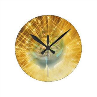 Judgment Round Clock