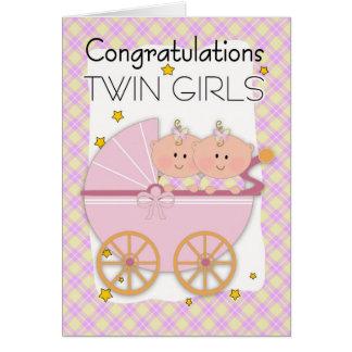 Jumeaux - filles jumelles de félicitations dans un carte de vœux