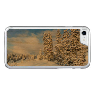 Jura mountain in winter, Switzerland Carved iPhone 8/7 Case