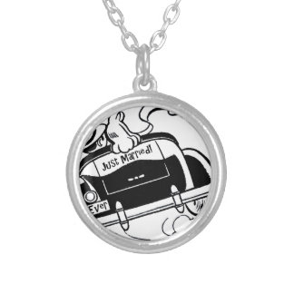 Just Married Couple in Car Round Pendant Necklace