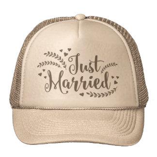 Just married elegant golden floral petals Wedding Trucker Hat