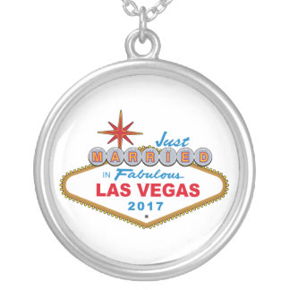 Just Married In Fabulous Las Vegas 2017 (Sign) Silver Plated Necklace