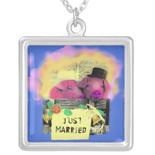 Just married/necklace