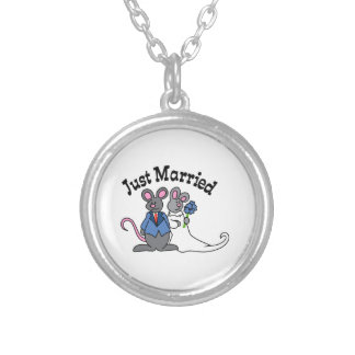 JUST MARRIED PENDANTS