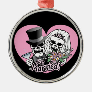 Just Married skulls Silver-Colored Round Ornament