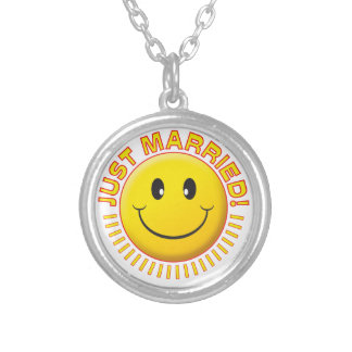 Just Married Smiley Jewelry