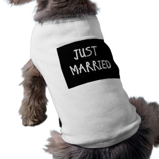JUST MARRIED WHITE ON BLACK SHIRT