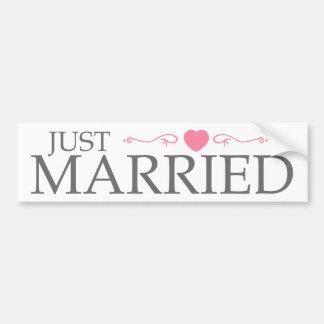 Juste marié (rouleau rose de coeur) autocollant de voiture
