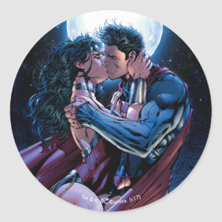 Justice League #12 Wonder Woman & Superman Kiss Classic Round Sticker
