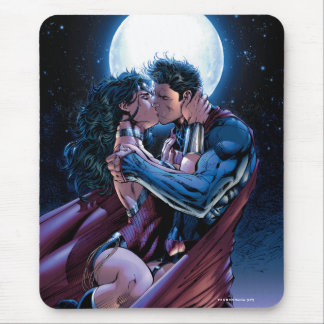 Justice League #12 Wonder Woman & Superman Kiss Mouse Pad