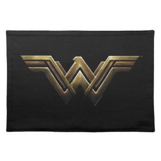 Justice League | Metallic Wonder Woman Symbol Placemat
