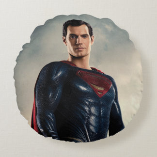 Justice League | Superman On Battlefield Round Pillow