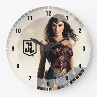 Justice League | Wonder Woman On Battlefield Large Clock