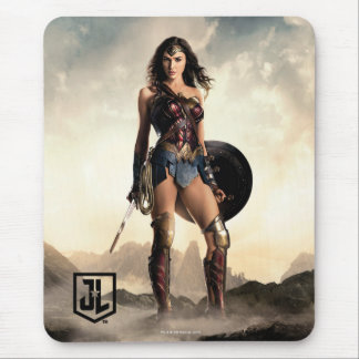 Justice League | Wonder Woman On Battlefield Mouse Pad