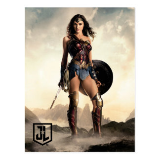 Justice League | Wonder Woman On Battlefield Postcard