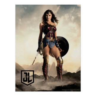 Justice League | Wonder Woman On Battlefield Poster