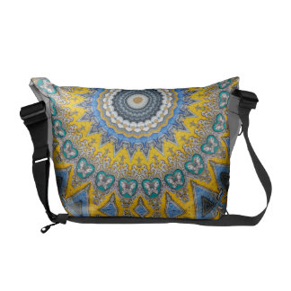 Kaleidoscope Mandala in Portugal: Pattern 224.8 Commuter Bag