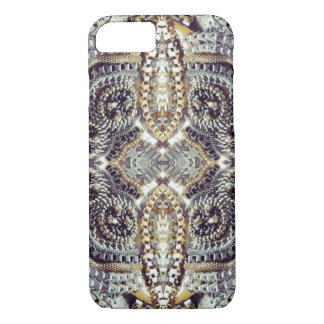 Kaleidoscopic grey Gold Medallion steampunk gears iPhone 8/7 Case