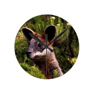 Kangaroo Round Clock