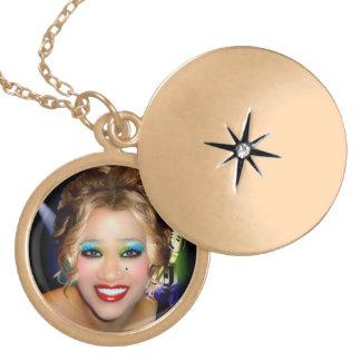 Karen 1 round locket necklace
