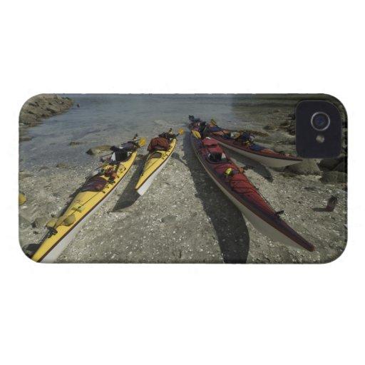 Kayaks sur l'île de Dicebox, groupe d'île cassé, Coque iPhone 4 Case-Mate