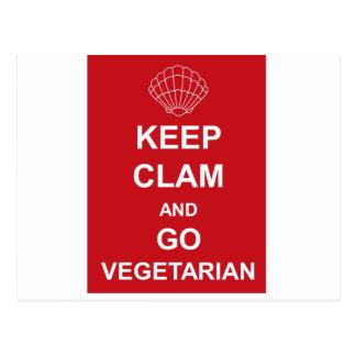 KEEP CLAM AND GO VEGETARIAN POSTCARD