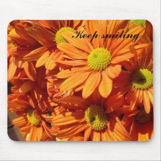 Keep smiling orange floral mousepad