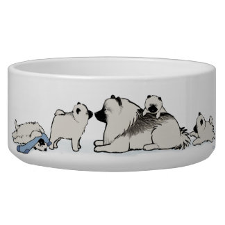 Keeshond Family with Blue Sock Dog Food Bowls