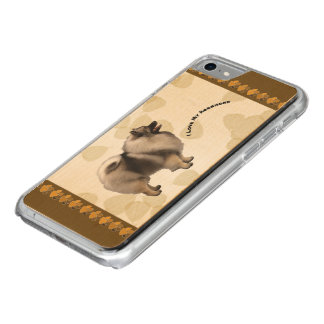 Keeshond on Tan Leaves Carved iPhone 7 Case