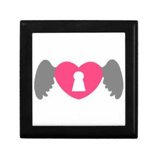 Keyhole Heart Wing Grey-Pink Gift Box