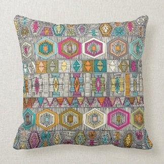 kilim pembe throw pillow
