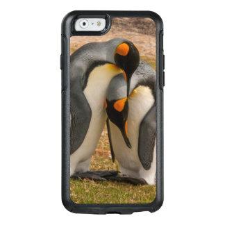 King penguins caressing, Falkland OtterBox iPhone 6/6s Case