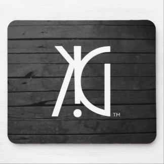KINGenius (TM) Urban Clothing T-Shirt Mouse Pad