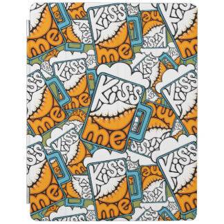 kiss me - beer icon iPad cover