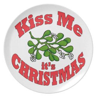kiss me it's Christmas Plate