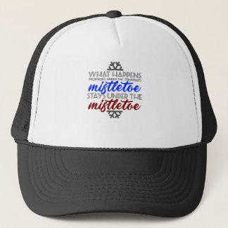 Kiss Mistletoe Crush Love Kissing Couple Trucker Hat