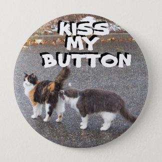 Kiss my button Cat Meme