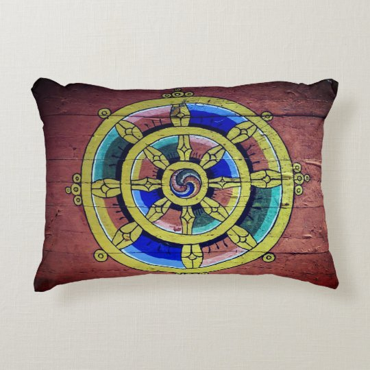Kissing boedhistisch life wheel 2 accent pillow