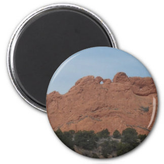 kissing camels 2 inch round magnet
