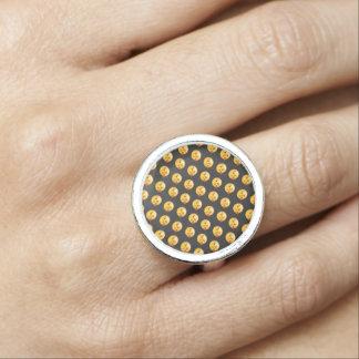 Kissy Face Love Emoji Ring