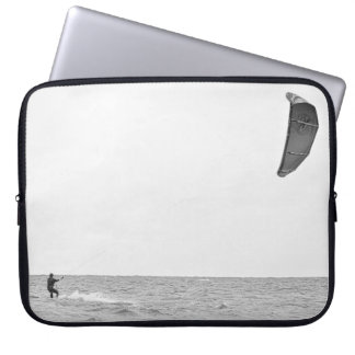 Kitesurfing - Sleeve Laptop Sleeves
