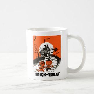 Kitsch Vintage 'Trick or Treat' Halloween Kids Mug