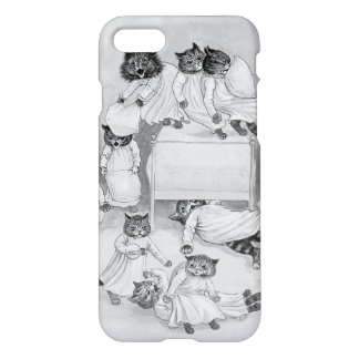 Kitten Pillow Fight! Louis Wain iPhone 7 Case