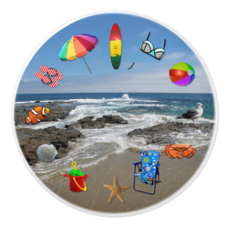 Knob with beach, ocean surrounded by beach items