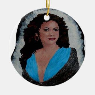 L ESPAGNOLE.png Round Ceramic Ornament