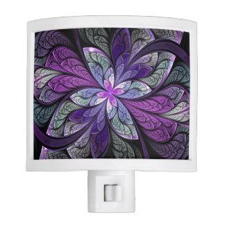 La Chanteuse Violett Night Light