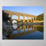 La France, Avignon. L'aqueduc romain de Pont du le Poster