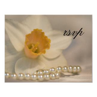 La jonquille blanche perle épouser la carte de carton d'invitation 10,79 cm x 13,97 cm