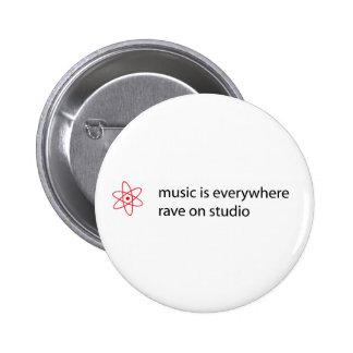 la musique est partout éloge sur le bouton de stud macaron rond 5 cm