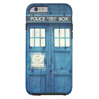La police vintage téléphone la cabine téléphonique